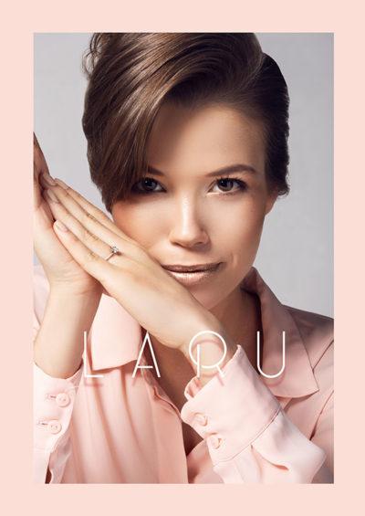 zdjęcia-reklamowe-biżuteria-pierścionek-modelka